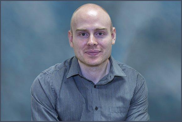 Thomas McMahon BSc Hons, MCOptom