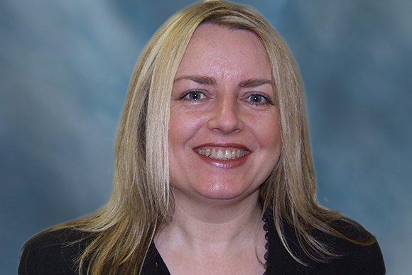 Lynn Wright BSc Hons MCOptom